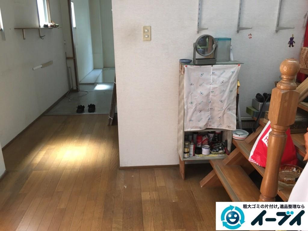 9月4日 大阪府四条畷市で部屋の片付けに伴う鏡台や下駄箱や粗大ゴミの不用品回収をしました。【玄関編の片付け】作業写真5
