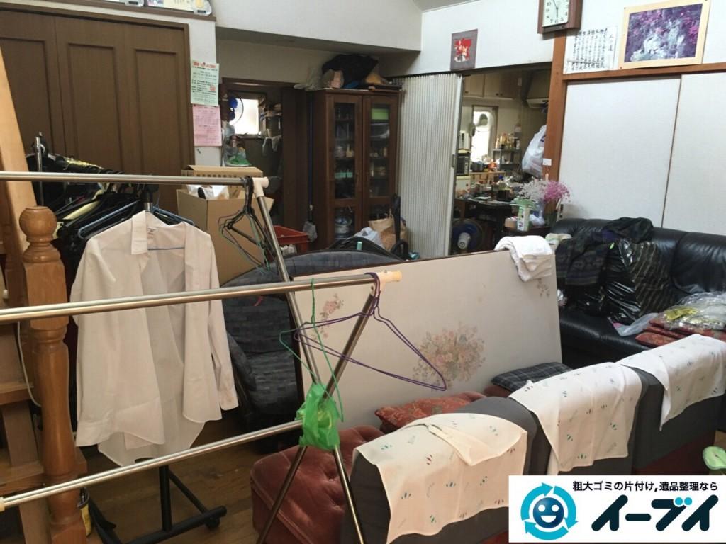 9月4日 大阪府四条畷市で部屋の片付けに伴うソファや粗大ゴミの不用品回収をしました。【リビングの片付け】 回収処分の様子4