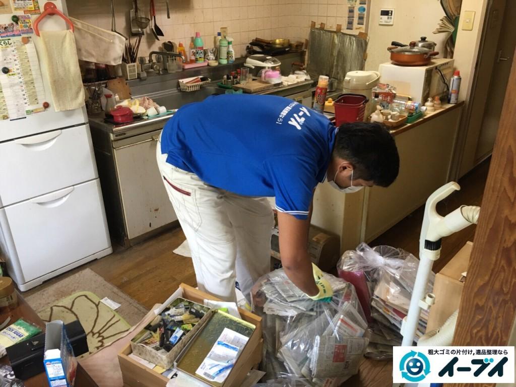 10月4日 大阪市鶴見区で遺品整理で台所の食器棚や生活用品の粗大ゴミの回収処分をしました。5
