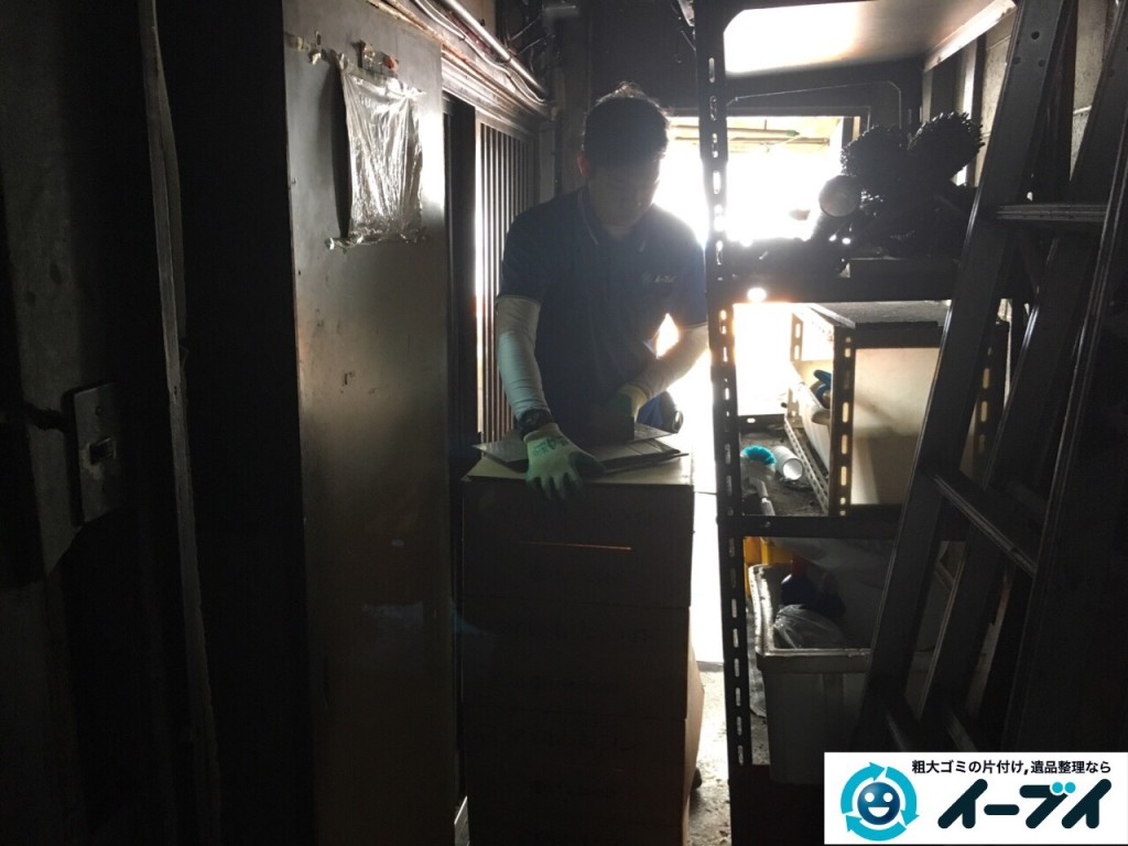 10月12日 大阪府大阪市住吉区で店舗の屋根裏の棚や粗大ゴミの不用品回収をしました。写真7