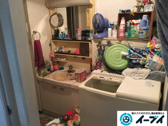 10月23日 大阪府高石市で下駄箱や洗濯機などの細々した廃品や粗大ゴミの回収処分をしました。写真1