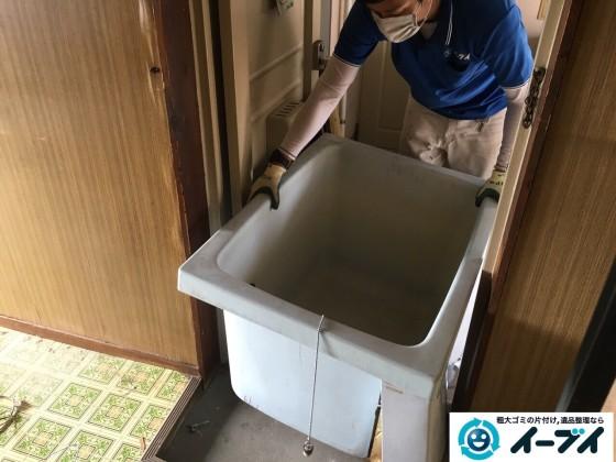 11月10日 大阪府藤井寺市で遺品整理のため風呂釜や下駄箱などの生活用品の処分をしました。写真5