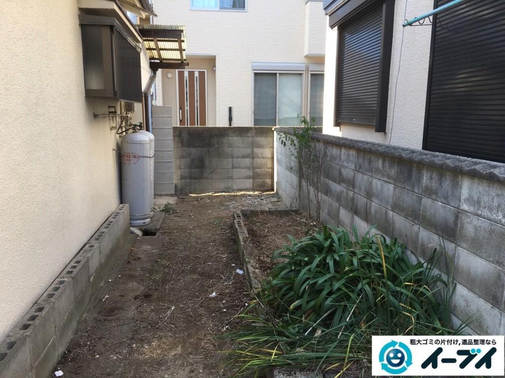 11月25日 大阪府寝屋川市で庭の物置や植木鉢などの廃品や粗大ゴミの不用品回収作業。写真4