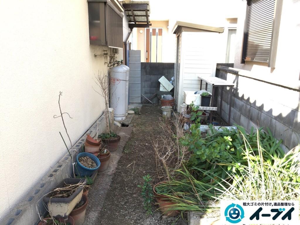 11月25日 大阪府寝屋川市で庭の物置や植木鉢などの廃品や粗大ゴミの不用品回収作業。写真3