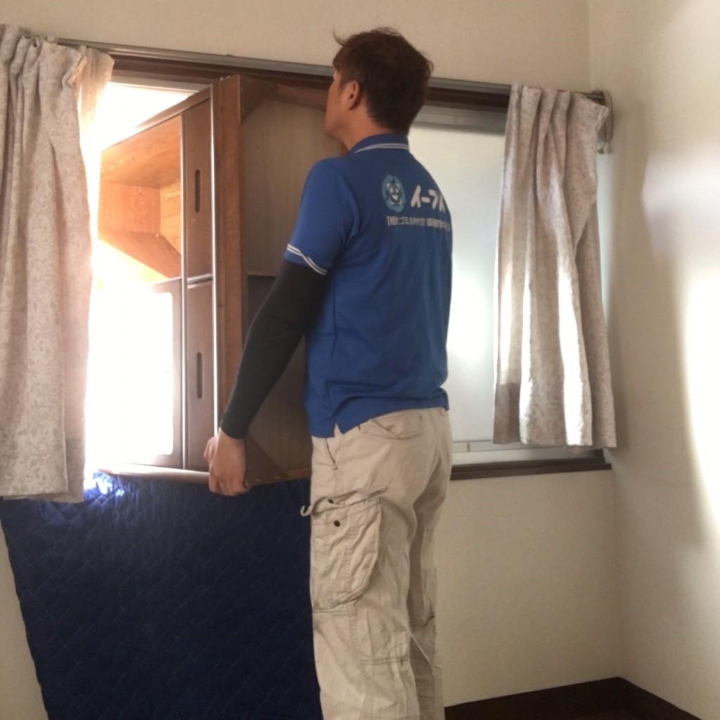 11月28日 大阪府大阪市東淀川区でソファー等の家具や絨毯など粗大ゴミの不用品回収をしました。写真1