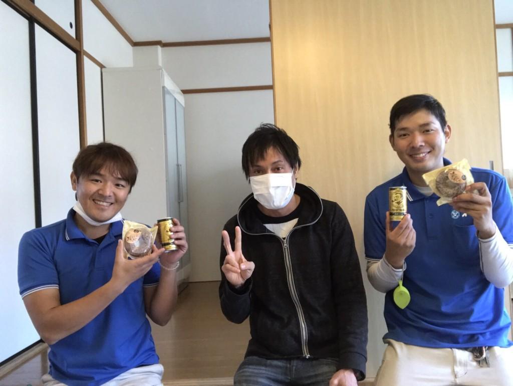 12月24日 大阪府高槻市で引越しのお手伝いとテレビボードの処分でイーブイをご利用していただきました。写真1