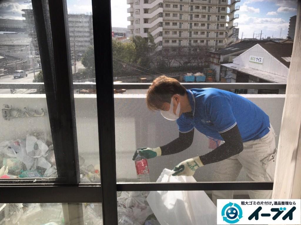 2017年1月17日 大阪府交野市でベランダや部屋に溢れているゴミ屋敷の片付けをしました。写真2