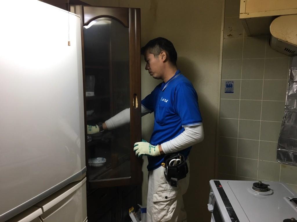 2017年1月25日大阪府三島郡島本町で食器棚や冷蔵庫など細々した粗大ゴミの処分をしました。写真1