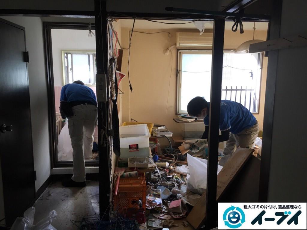 2017年2月18日大阪府摂津市で汚部屋状態になっているゴミ屋敷の片付けをしました。写真5