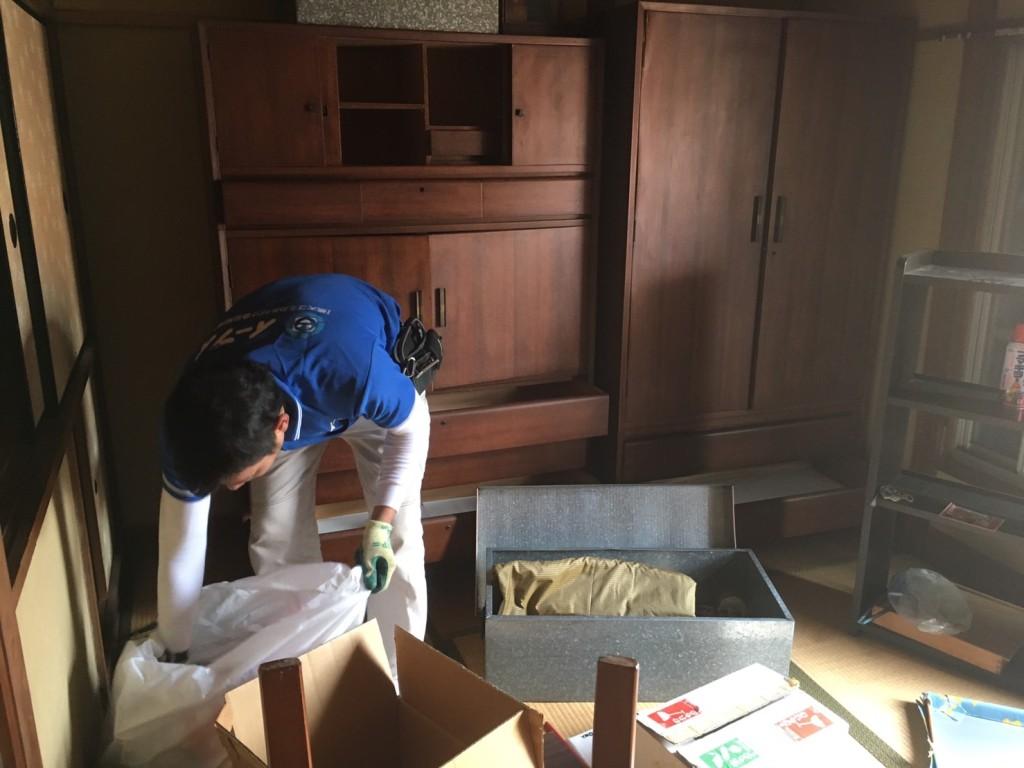 2017年2月24日大阪府堺市東区で遺品整理の依頼をいただき家具処分や生活用品を処分しました。写真1