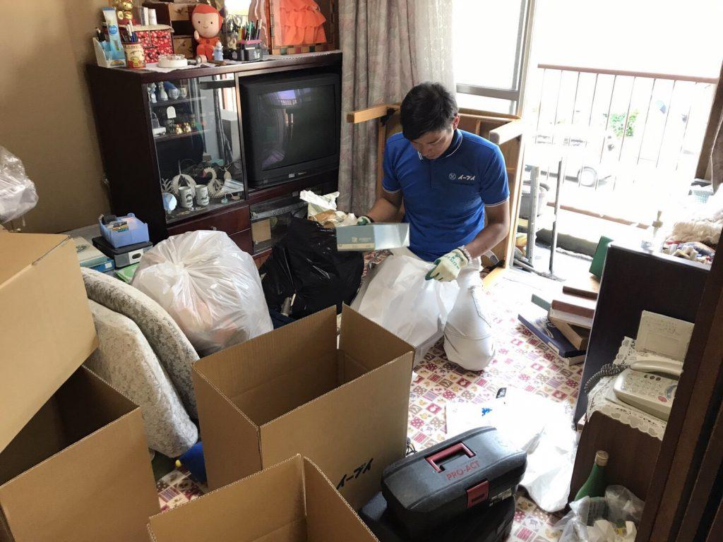 2017年8月1日大阪府守口市で遺品整理の依頼を受け片付け作業をしました。写真1