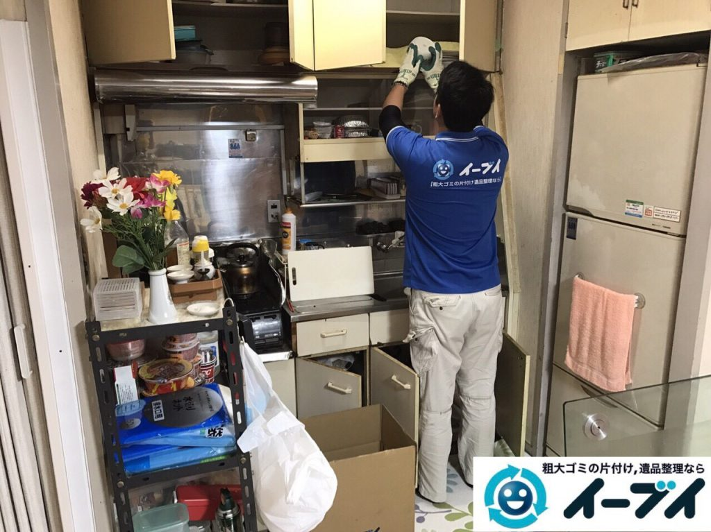 2017年8月2日大阪府寝屋川市で遺品整理の作業で食器や大型家具の処分をしました。写真1