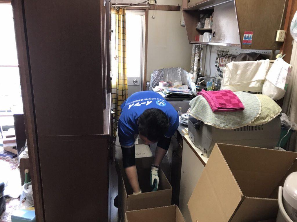 2017年8月19日大阪府能勢町で食器棚や家財道具の粗大ゴミの不用品回収をしました。写真2