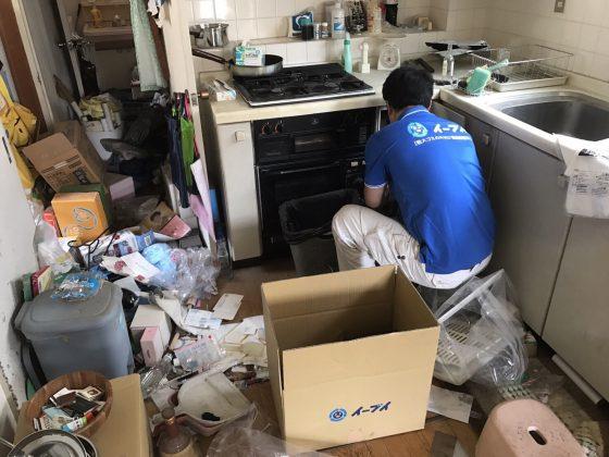 2017年8月13日大阪府枚方市で遺品整理に伴い食器棚や生活用品の処分をしました。写真6