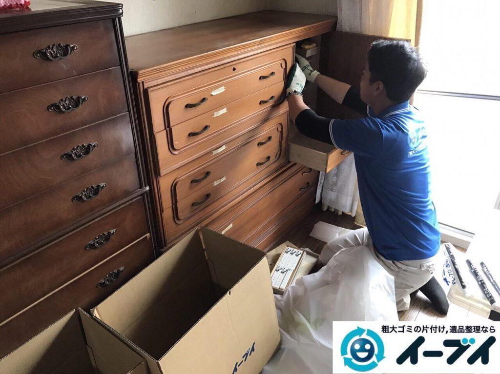 2017年9月6日大阪府大阪市大正区で和箪笥と洋タンスの家具処分と廃品の不用品回収をしました。写真1