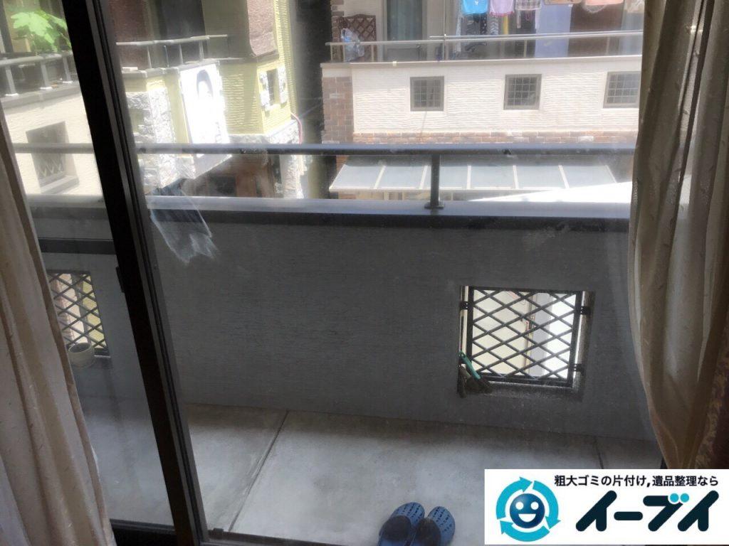 2017年9月9日大阪府大阪市鶴見区でソファーをベランダから吊り作業で不用品回収をしました。写真2