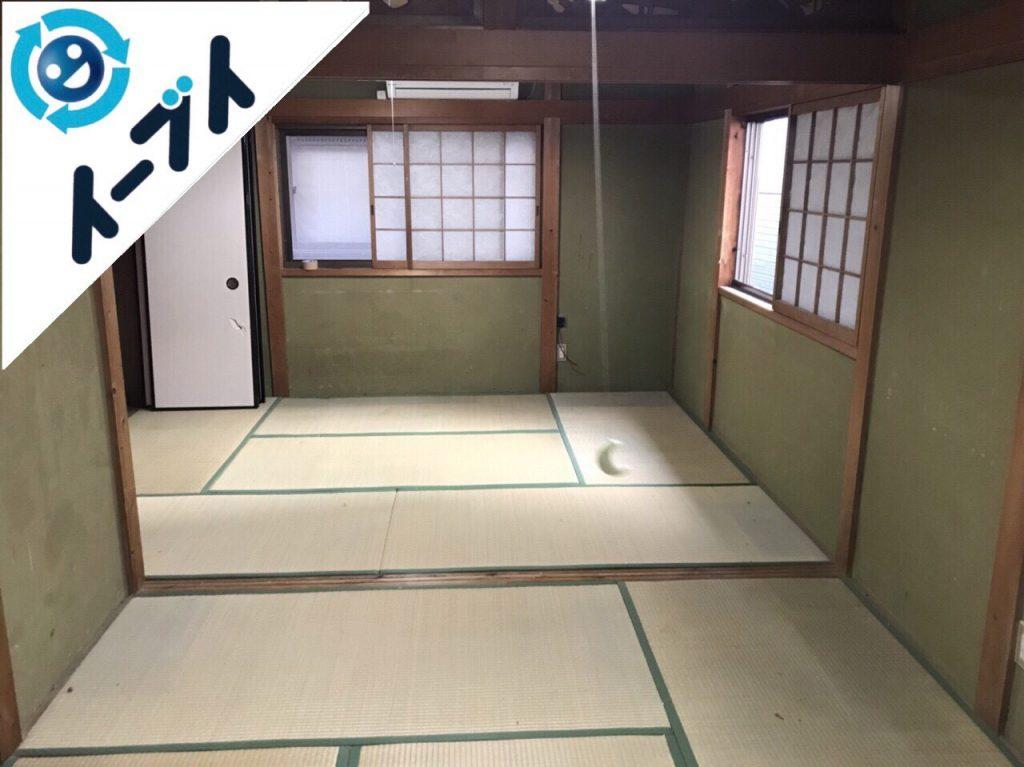 2018年2月1日大阪府堺市堺区で玩具や衣類の日用品が散乱したゴミ屋敷の片付け。写真3