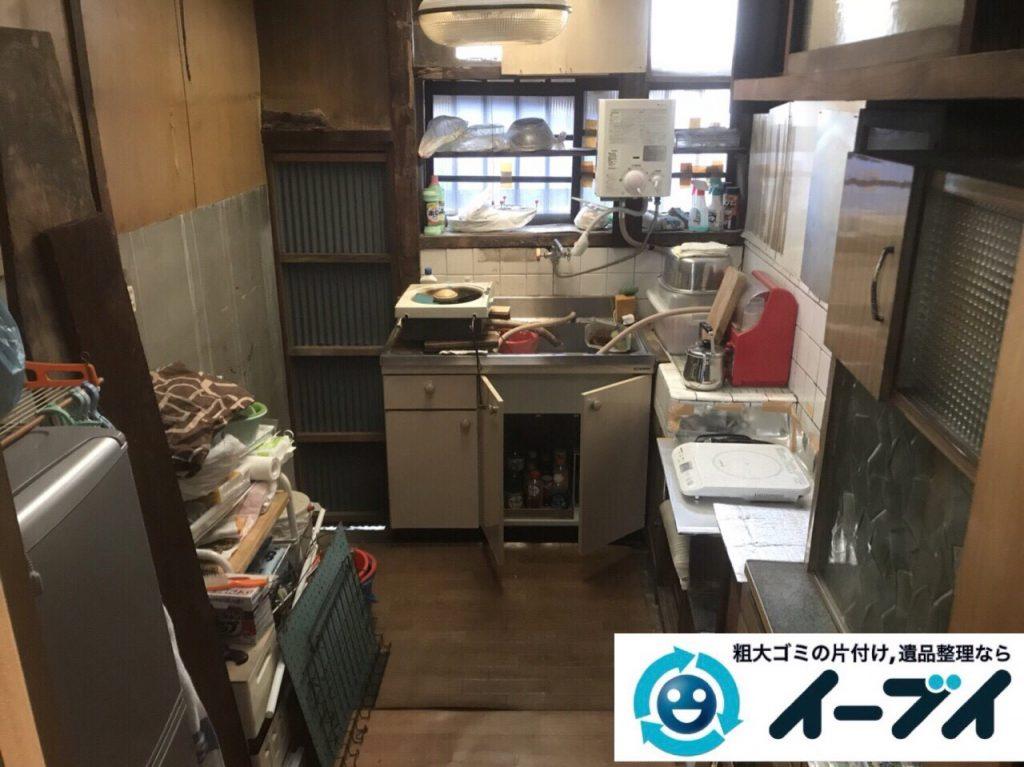 2018年4月20日大阪府大阪市浪速区で台所の生活用品や家具などの粗大ゴミの不用品回収。写真2