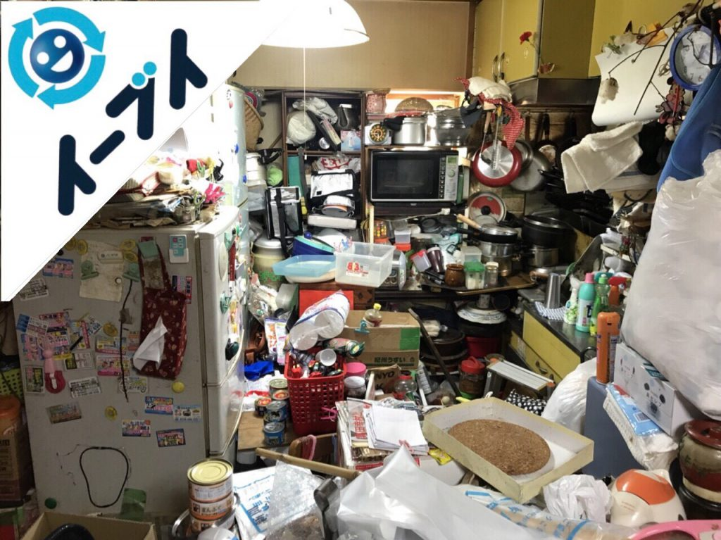 2018年8月24日大阪府大阪市平野区で10年間生活用品を溜められたゴミ屋敷の片付け。写真4