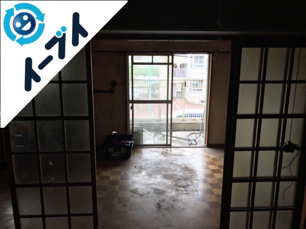 2018年8月6日大阪府大阪市西淀川区で生活用品で溢れたゴミ屋敷化した部屋の片付け。写真1