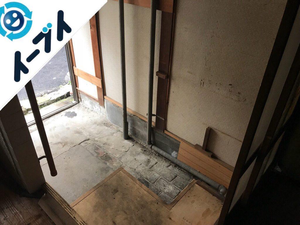 2018年8月5日大阪府大阪市西成区で座椅子や洗濯機や下駄箱など粗大ゴミの片付けと処分。写真1