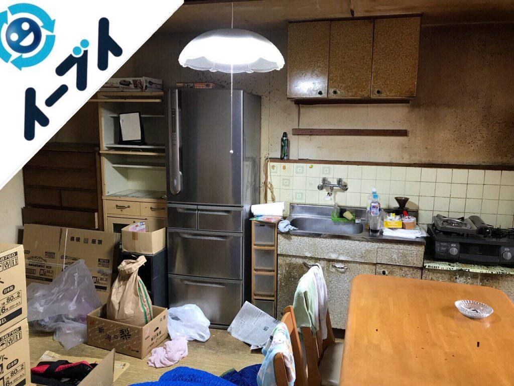 2018年8月28日大阪府貝塚市でレンジ台や冷蔵庫やテーブルなど不用品回収をしました。写真1
