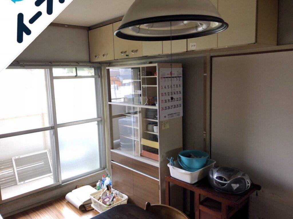 2018年9月10日大阪府四条畷市でレンジ台やダイニングテーブルなど家具の不用品回収をしました。写真2