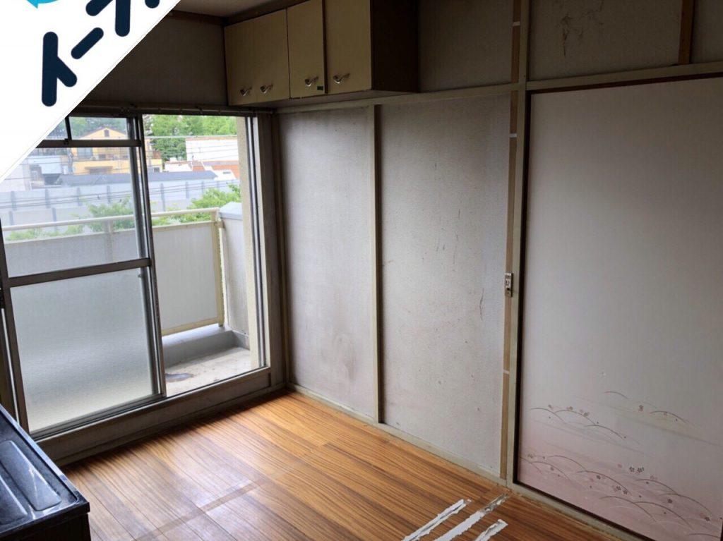2018年9月10日大阪府四条畷市でレンジ台やダイニングテーブルなど家具の不用品回収をしました。写真1