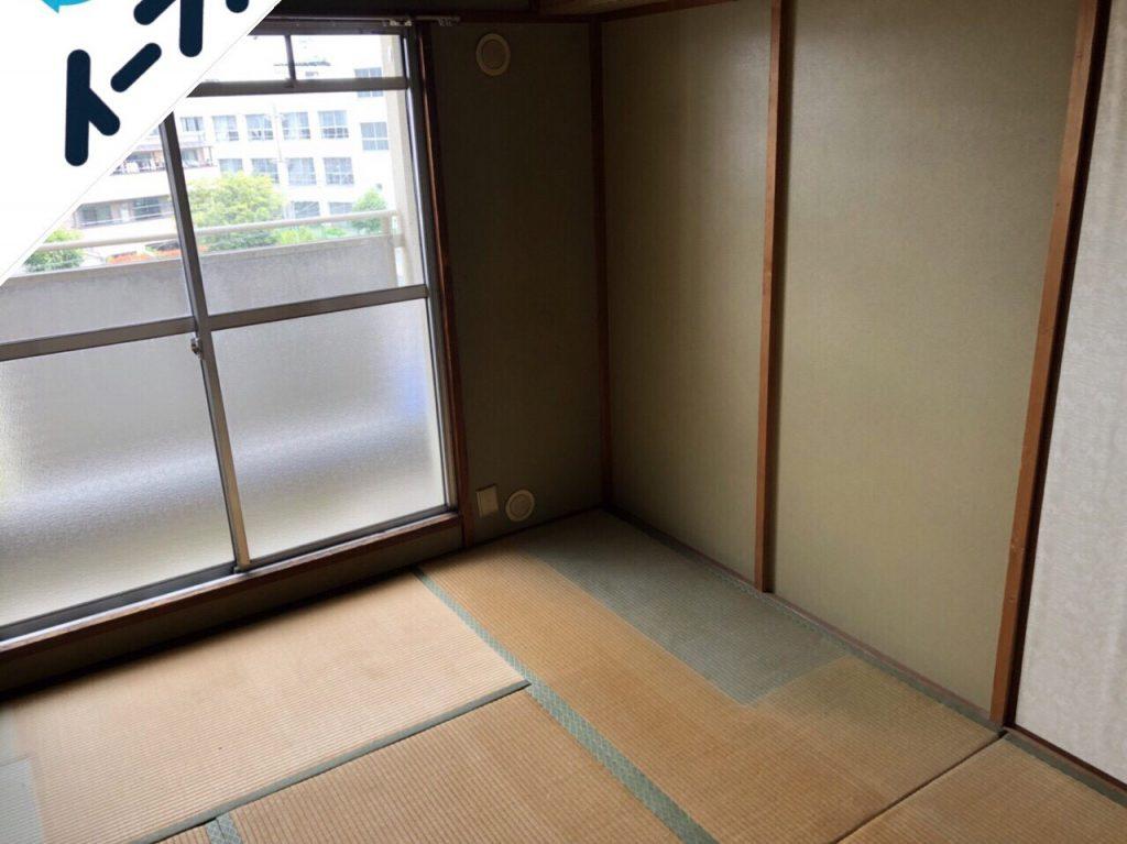 2018年9月18日大阪府島本町で鏡台やタンスの大型ゴミや絨毯などの不用品回収作業。写真3