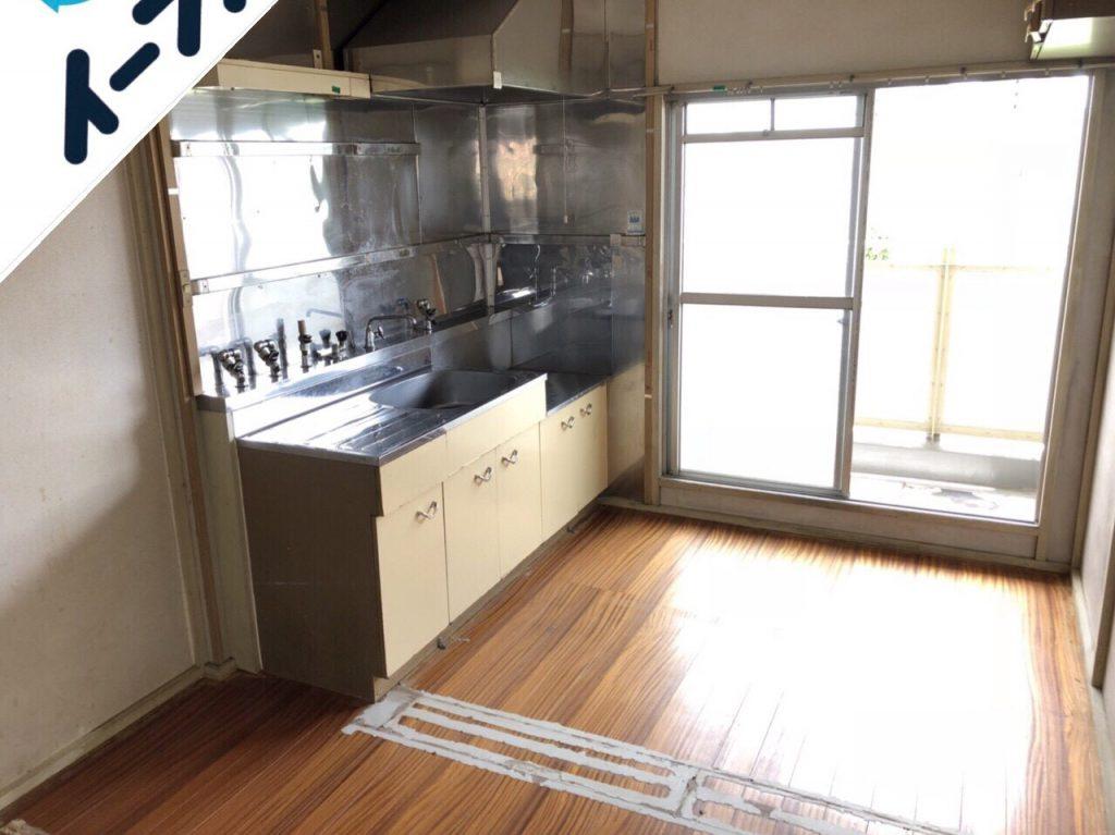 2018年9月10日大阪府四条畷市でレンジ台やダイニングテーブルなど家具の不用品回収をしました。写真3