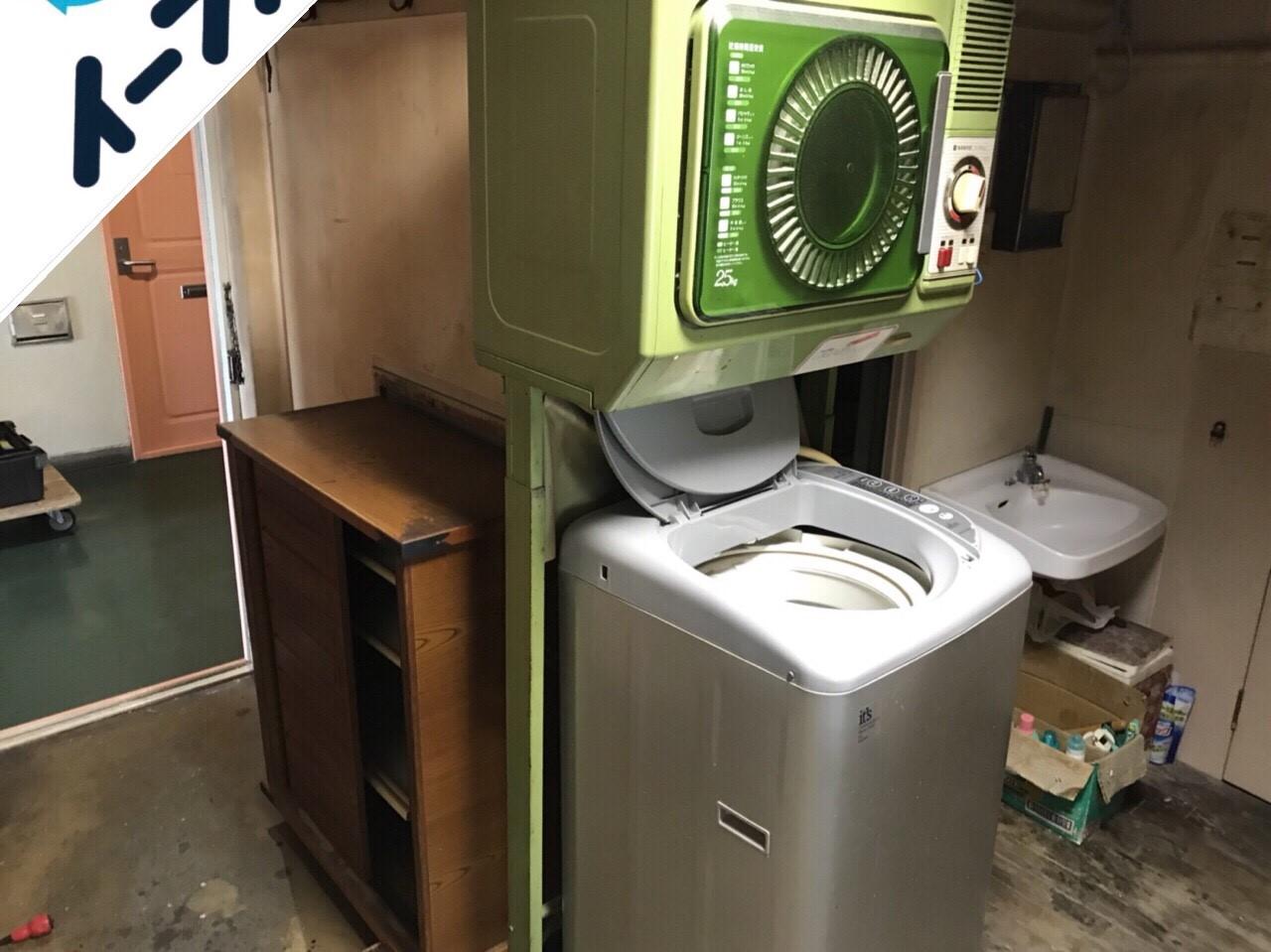 2018年10月12日大阪府大阪市西淀川区で下駄箱と絨毯と洗濯機の不用品回収作業。写真4