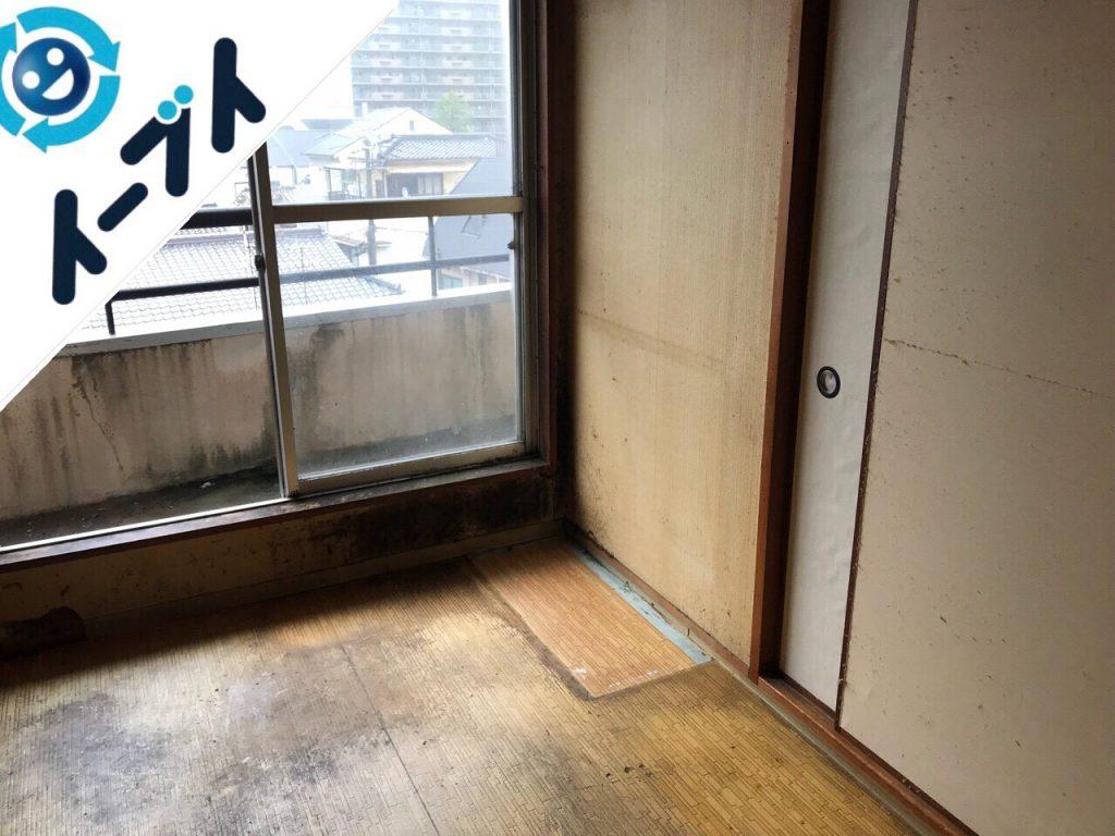 2018年10月16日大阪府大阪市鶴見区でベランダの洗濯機や食器棚など家具処分と不用品回収。写真1