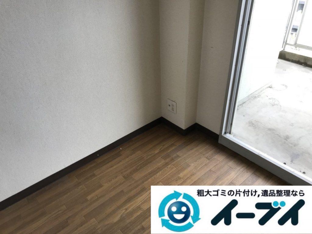 2018年11月19日大阪府大阪市鶴見区でワンルームに散乱したゴミ屋敷状態の汚部屋の片付け作業。写真6