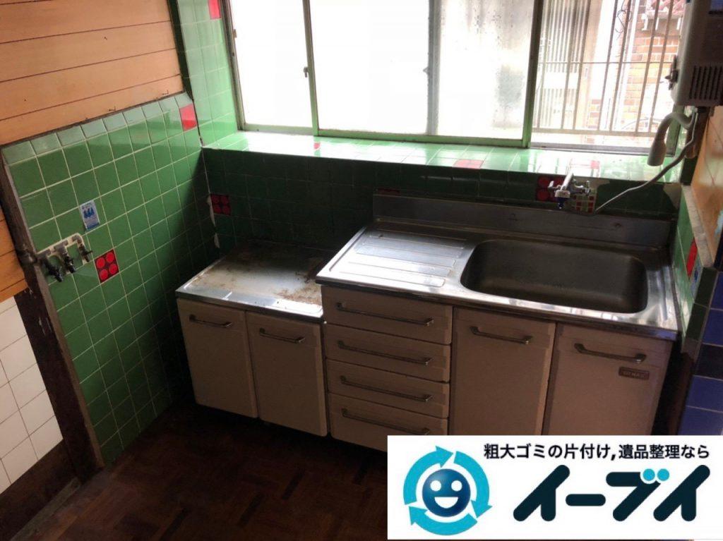 2018年11月30日大阪府大阪市旭区でガスコンロと電子レンジと食器棚の不用品回収をしました。写真3