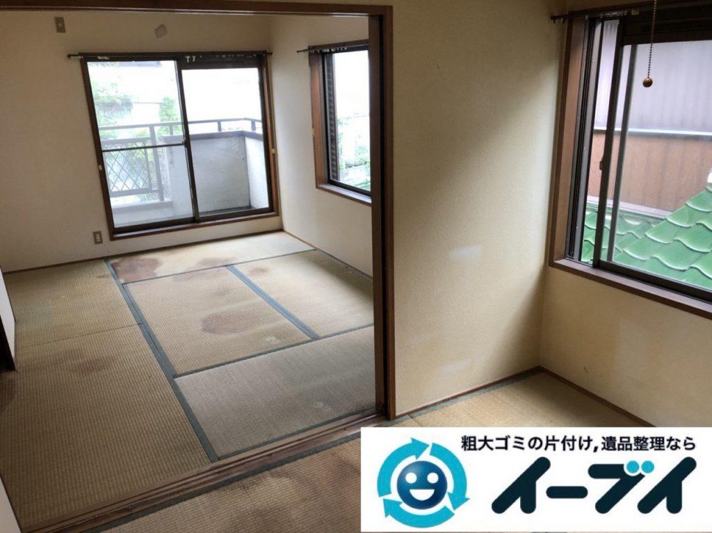 2019年1月10日大阪府八尾市で衣類や雑ゴミが散乱したプチゴミ屋敷の片付け作業。写真2