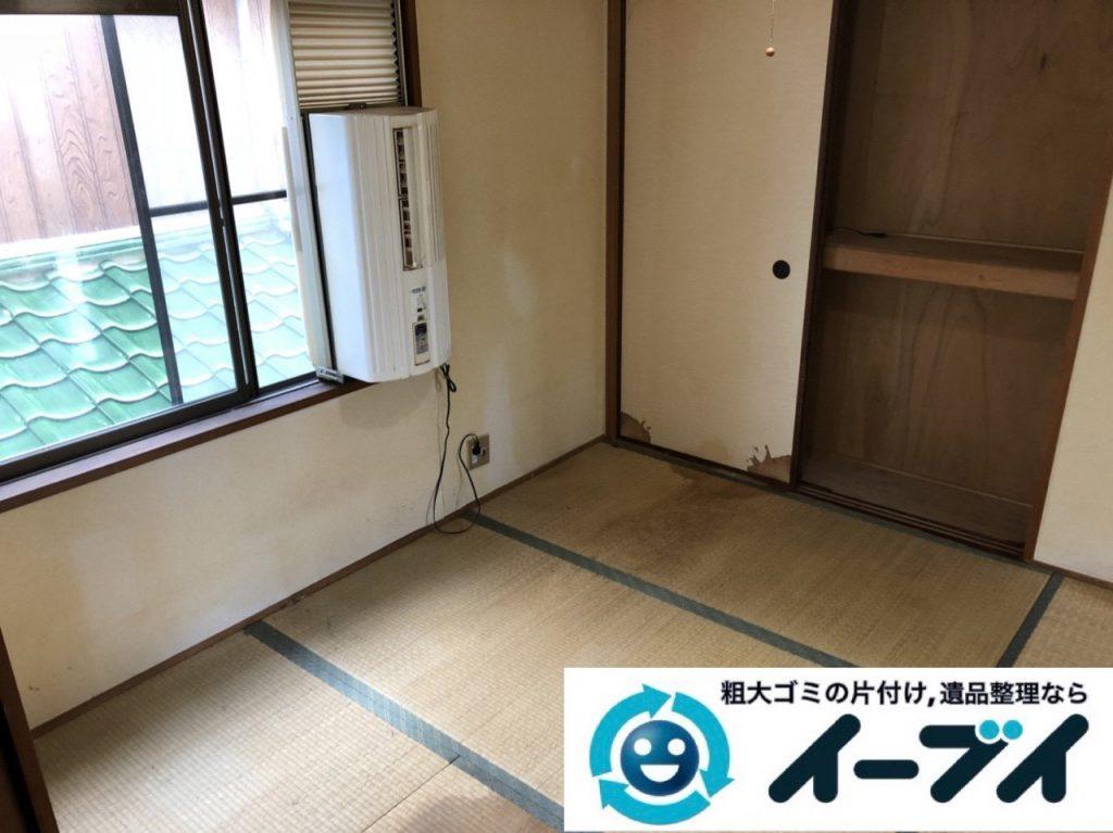 2019年1月8日大阪府大阪市生野区で衣類や日用品が散乱した部屋の不用品回収。写真4