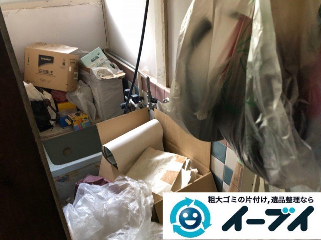 2018年12月26日大阪府大阪市住之江区で長年使用いない物があふれたゴミ屋敷のお片付け。写真4