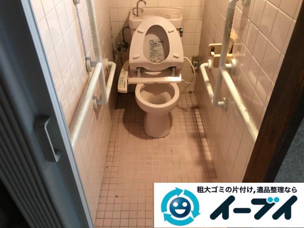2018年12月26日大阪府大阪市住之江区で長年使用いない物があふれたゴミ屋敷のお片付け。写真1