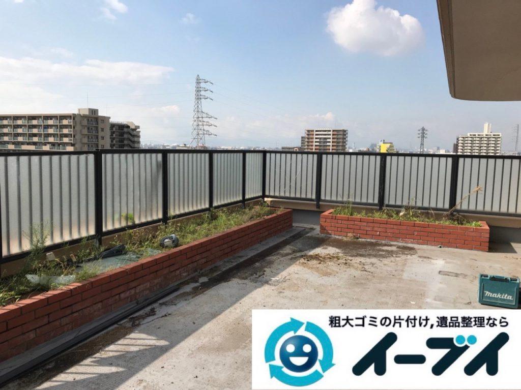 2019年1月3日大阪府堺市堺区で台風の被害で壊れた物置の解体回収の様子。写真5
