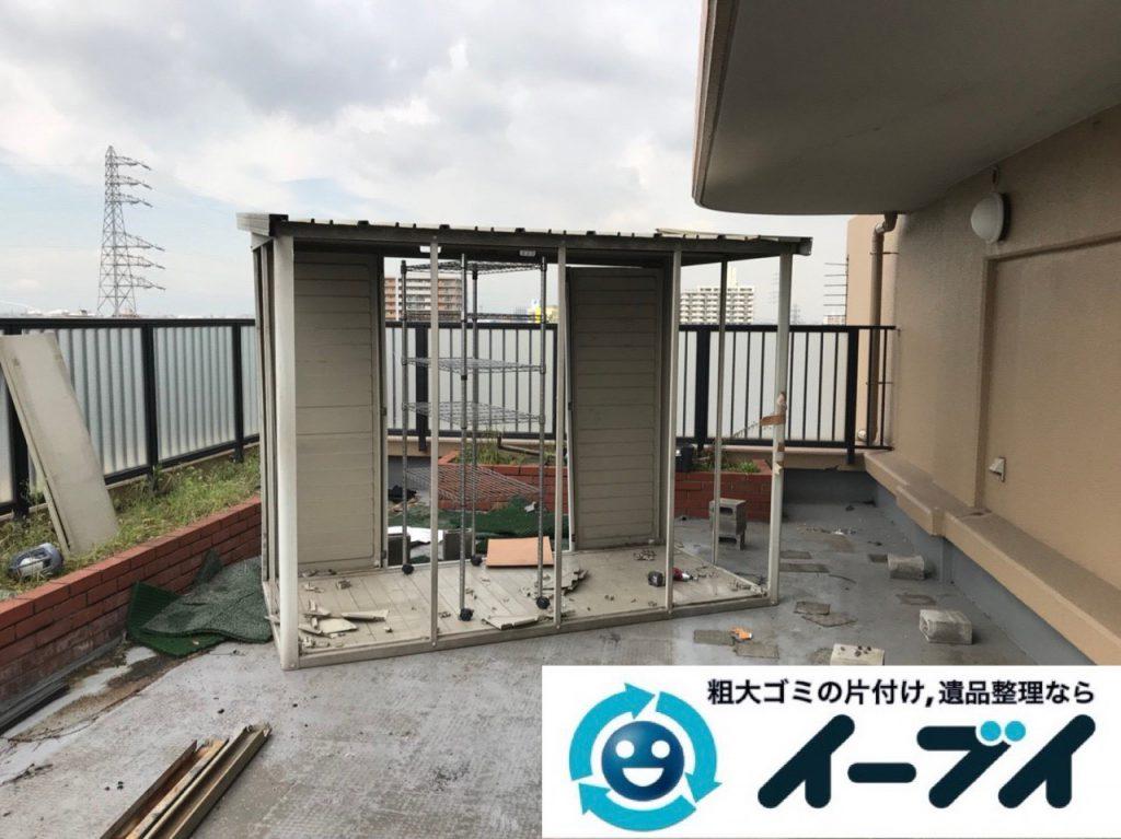 2019年1月3日大阪府堺市堺区で台風の被害で壊れた物置の解体回収の様子。写真2