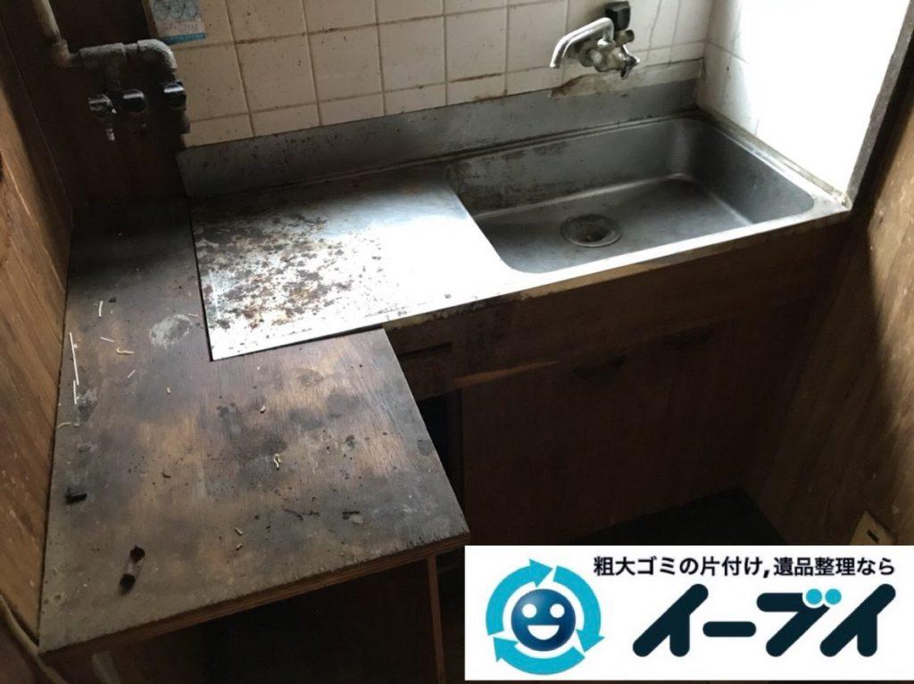 2019年2月21日大阪府河南町で押し入れと台所の片付け作業。写真2