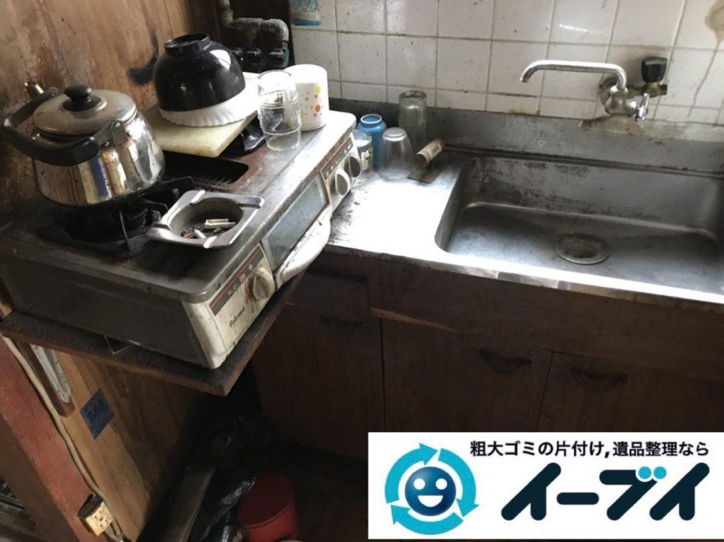 2019年2月21日大阪府河南町で押し入れと台所の片付け作業。写真1
