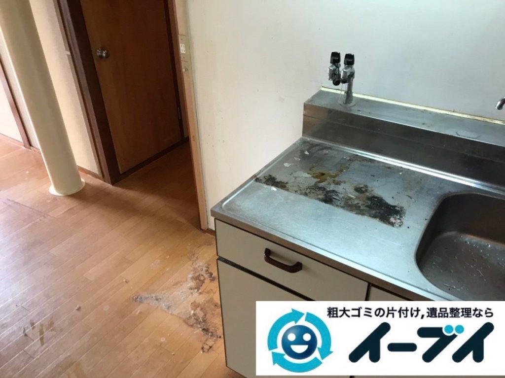 2019年2月19日大阪府河内長野市で台所にある不用品の片付け作業。写真4