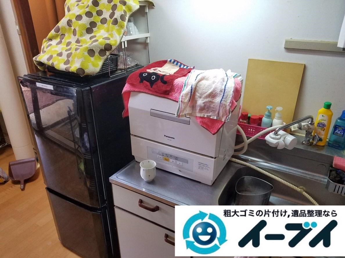 2019年2月19日大阪府河内長野市で台所にある不用品の片付け作業。写真3
