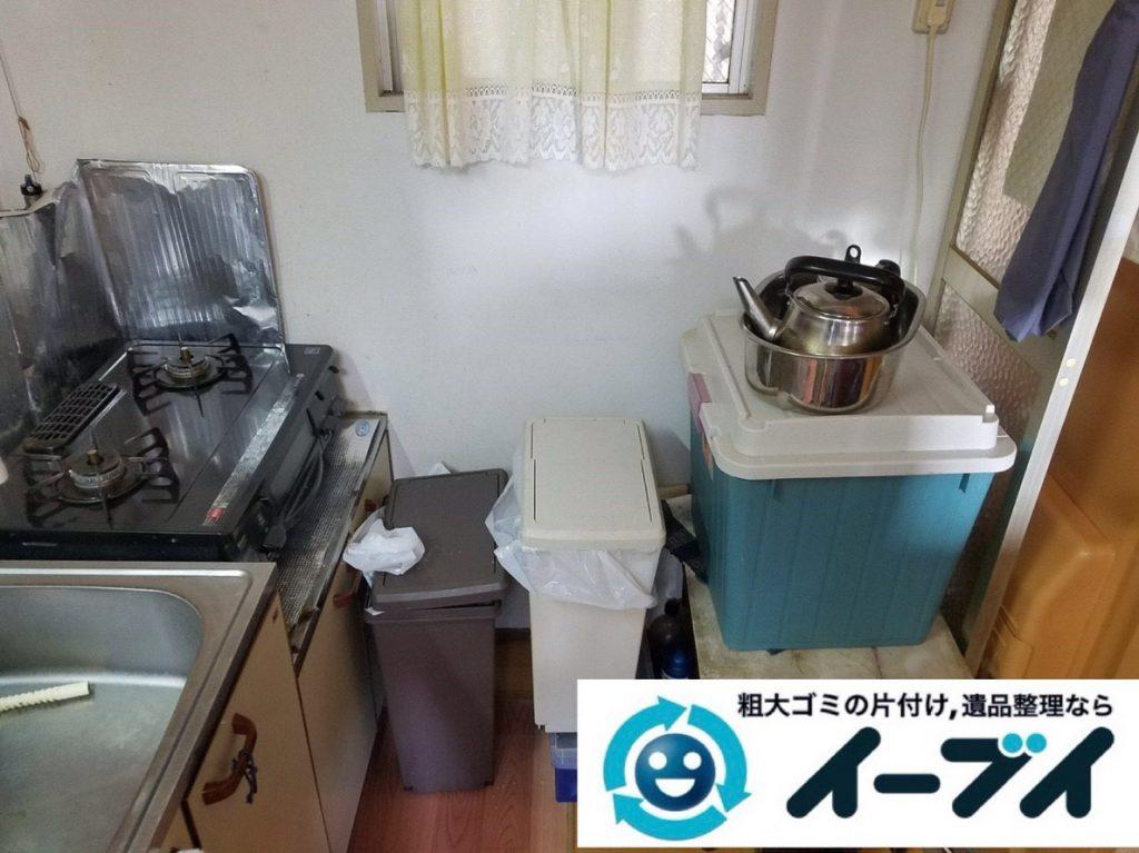2019年2月19日大阪府河内長野市で台所にある不用品の片付け作業。写真1月