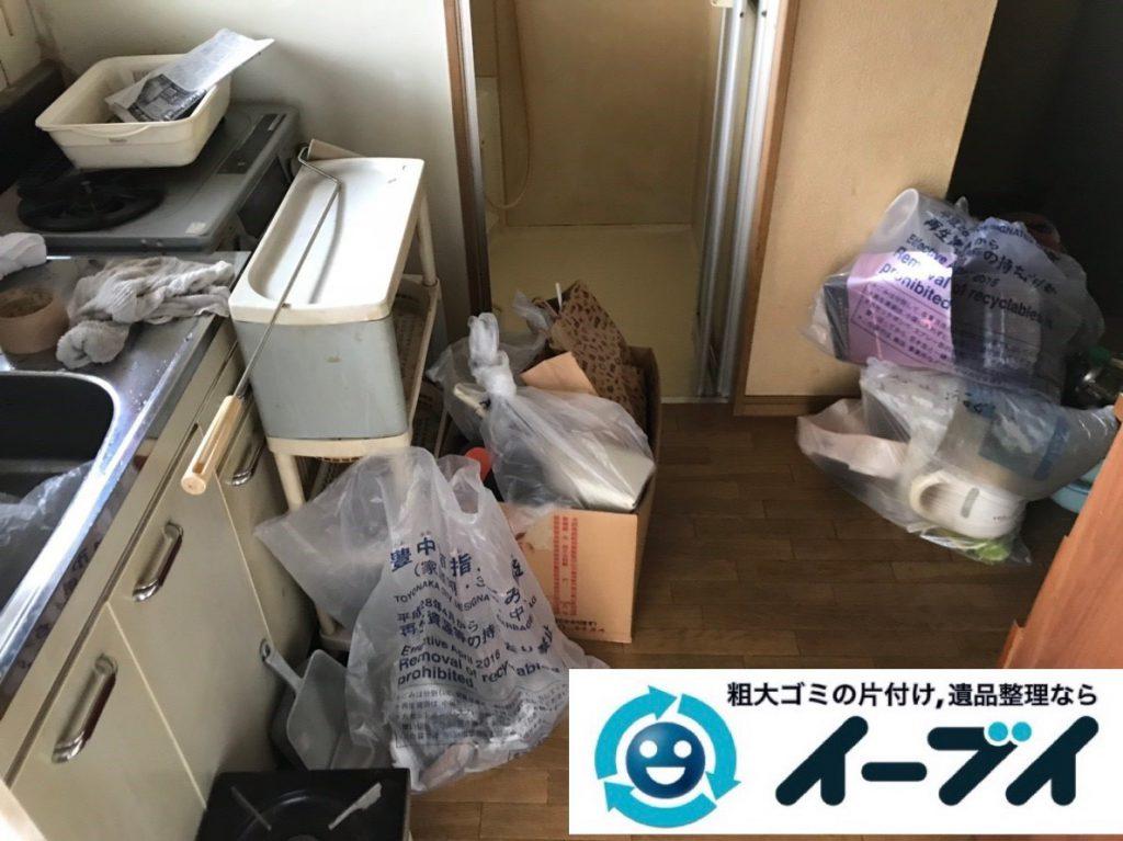 2019年2月6日大阪府大阪市西成区で食器棚の大型家具、洗濯機の大型家電などの粗大ゴミ処分。写真3
