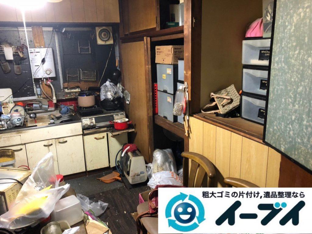 2019年4月10日大阪府堺市中区で生活ゴミや生活用品などが散乱し、ゴミ屋敷化した汚部屋の片付け作業。写真4