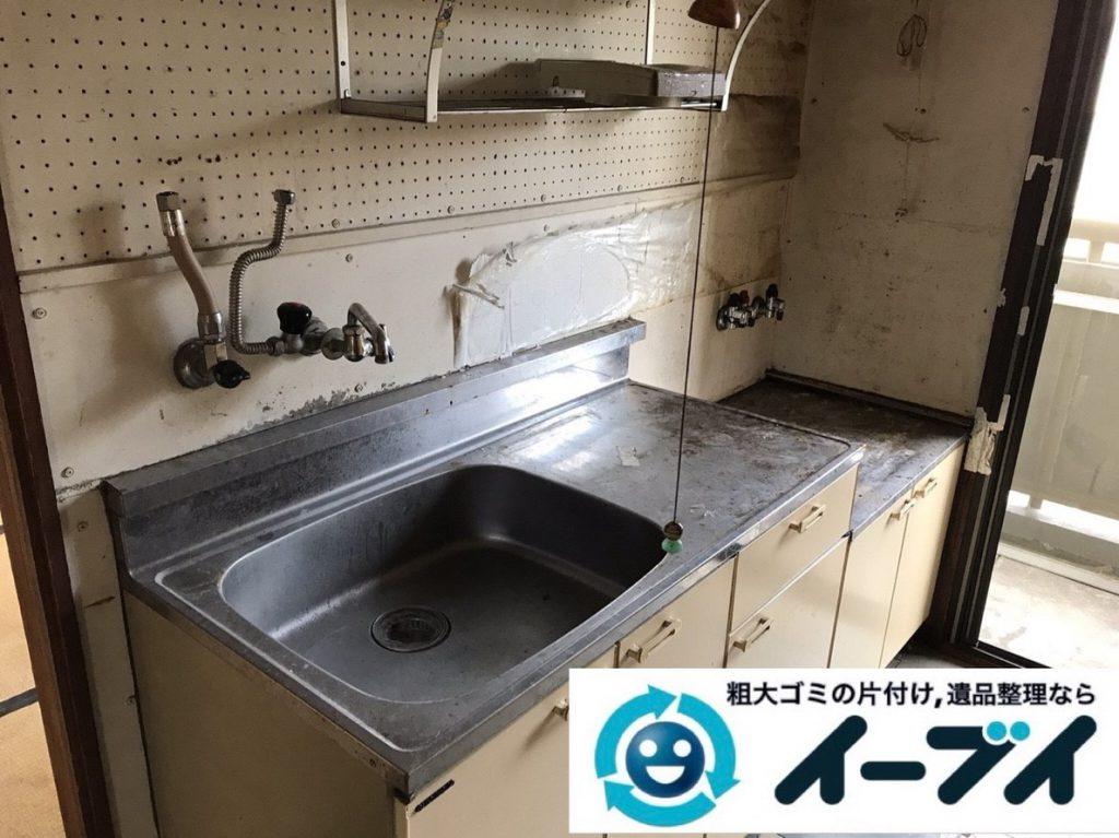 2019年3月13日大阪府堺市南区で物やゴミが散乱した台所の不用品回収。写真4
