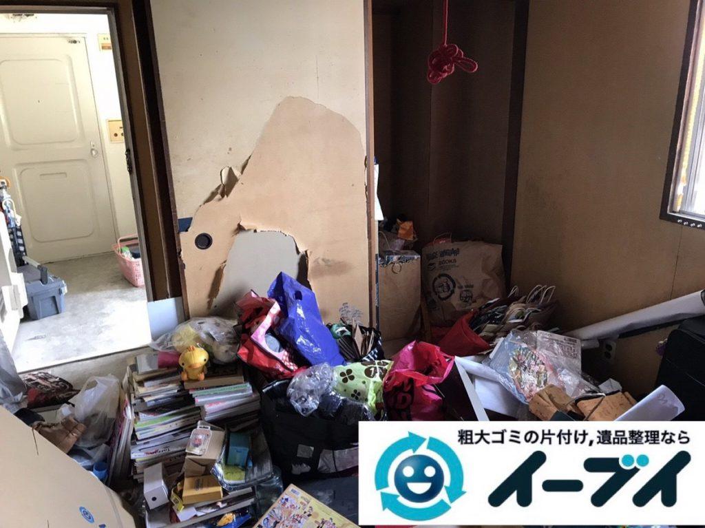 2019年3月14日大阪府堺市堺区でゴミ屋敷化した汚部屋の片付け作業。写真1