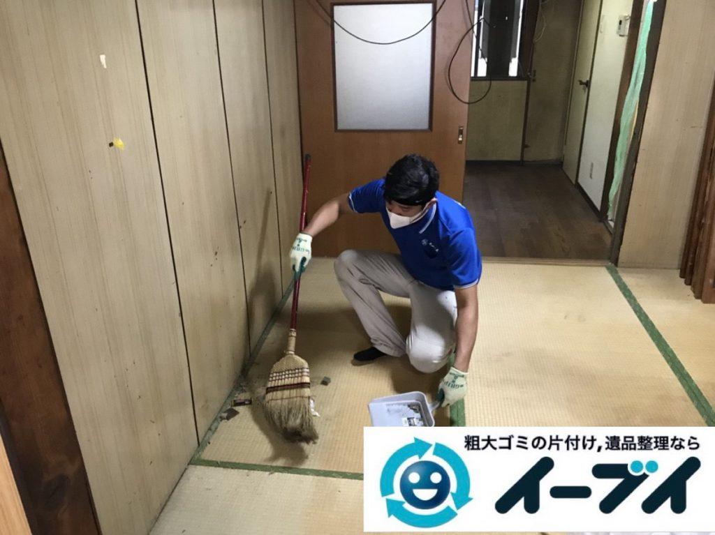 2019年4月1日大阪府大阪市住之江区でゴミ屋敷一歩手前の汚部屋の片付け作業。写真1